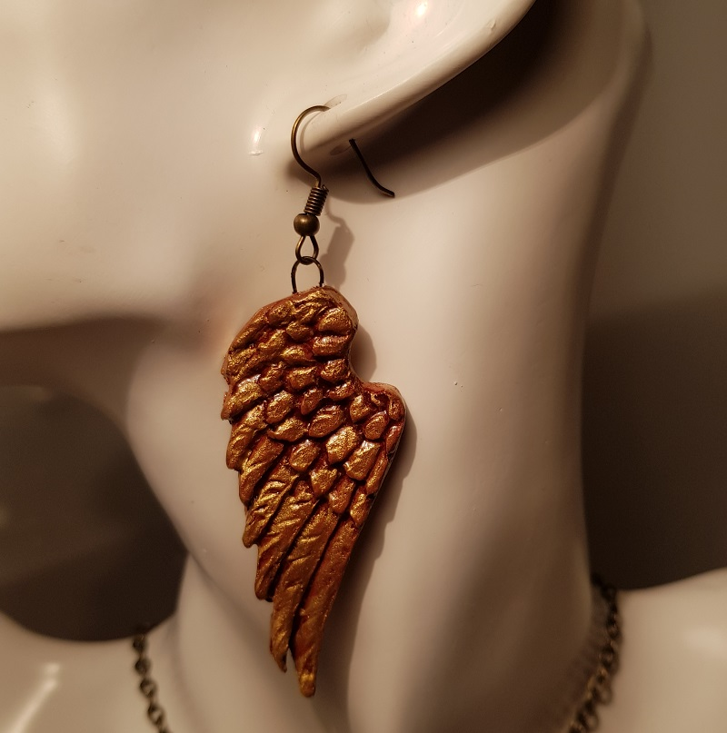 Angels Wing Pendant and Necklace Set