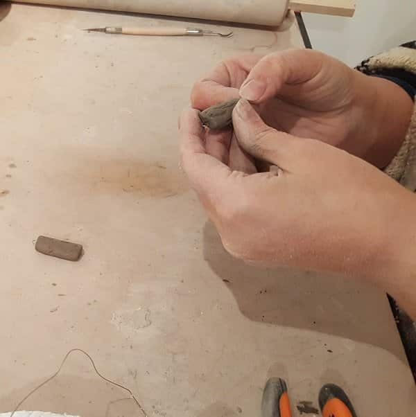 Hand building process of to make jewellery