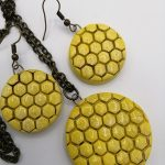 Honeycomb necklace set